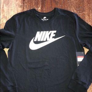 Nike long sleeve shirt large